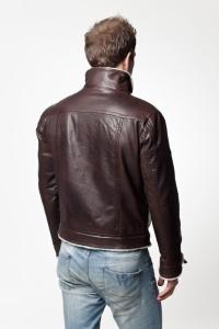 Мужская кожаная куртка отделанная мехом арт Porsche
