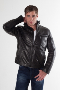 Кожаная куртка арт 9843