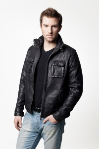 Мужская кожаная куртка арт  MAISON